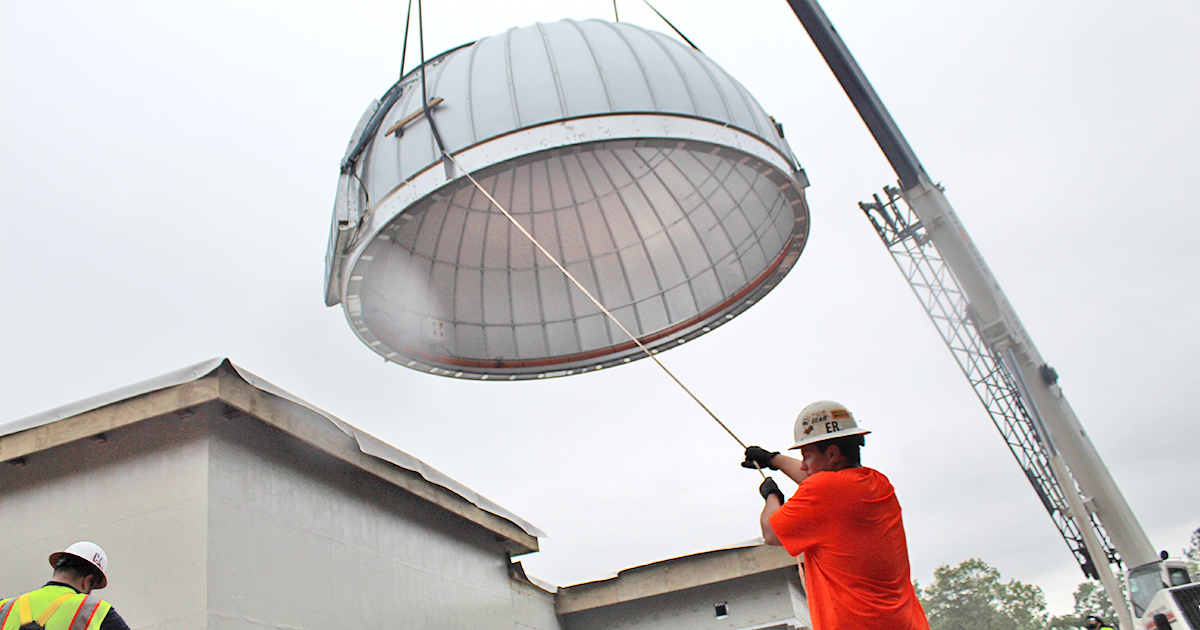 Rising the Roof at new UNG observatory
